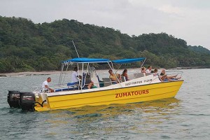 Catamaran boat tour with Zumatours