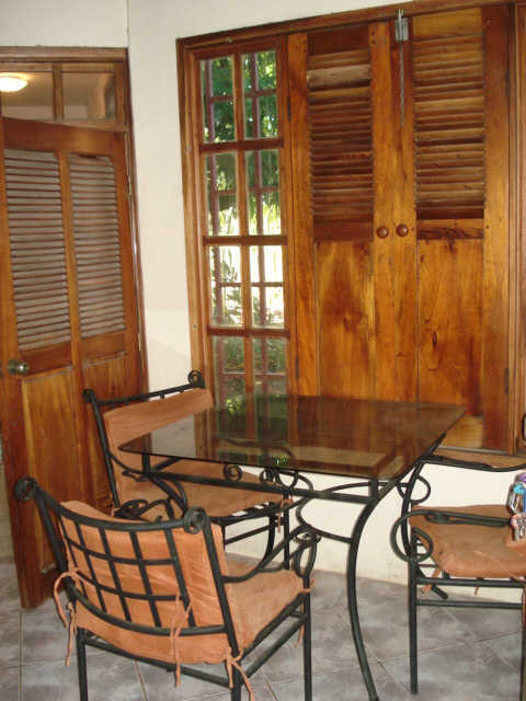 Los Cedros Beach House - dining area